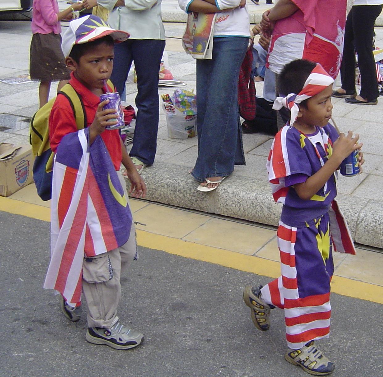 2 young Malaysian Patriots.